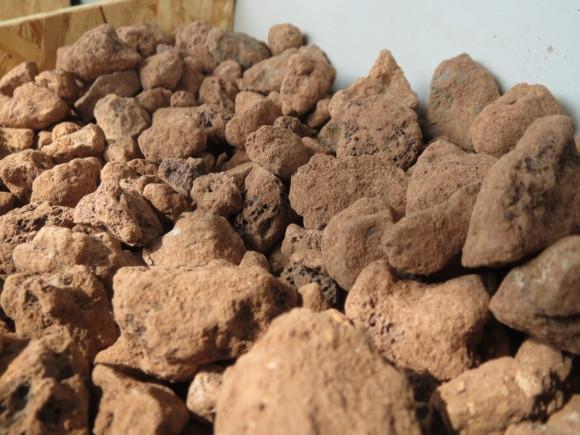 Lávový mulč hnědý 8-25mm baleno v pytlích