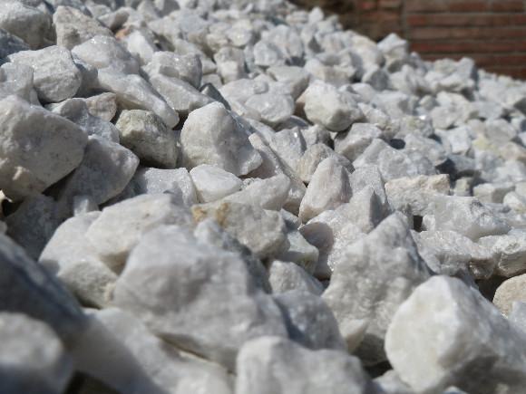 Lomový kámen bílý 8-16mm