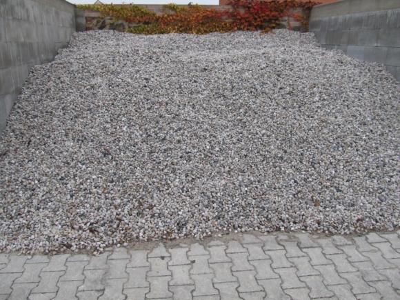 Kačírek Kaznějov - bílo-šedý, praný. Frakce 16-22mm.